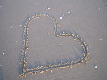 heart_in_sand